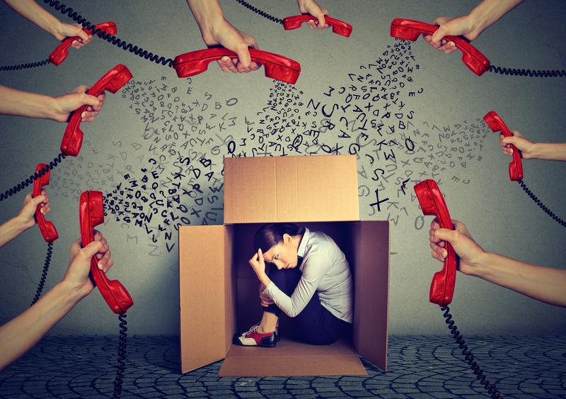 agent abuse ID 101311223 © Kiosea39 | Dreamstime.com